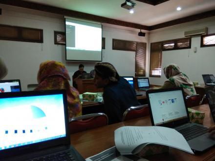 Sosialisasi dan Pelatihan Entry Data Sim Pamong Desa